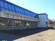 Immagine n0 - Sala mostra con uffici e officine meccaniche - Asta 1001