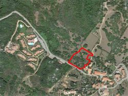 Full ownership and shares of building land of  ,    sqm - Lot 10015 (Auction 10015)