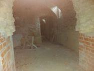Immagine n3 - Locale grezzo al piano interrato (sub 116) - Asta 10025