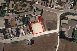 Residential building land of     sq m - Lote 10076 (Subasta 10076)