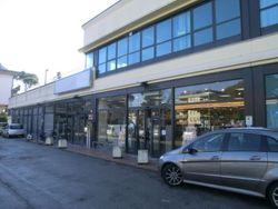 Supermercato con parcheggio - Lotto 1013 (Asta 1013)
