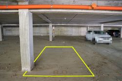 Covered parking space  n.    in surface right - Lot 10226 (Auction 10226)