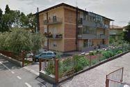 Immagine n0 - Quota 4/12 di appartamento con garage e depositi - Asta 1023