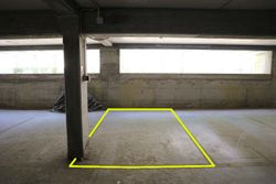 Covered parking space  n.     in surface right - Lot 10246 (Auction 10246)
