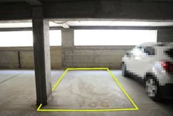 Covered parking space  n.     in surface law - Lot 10249 (Auction 10249)
