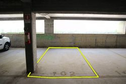 Covered parking space  n.     in surface right - Lot 10250 (Auction 10250)