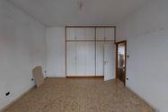 Immagine n7 - Ampio appartamento con box auto e cantina - Asta 10291