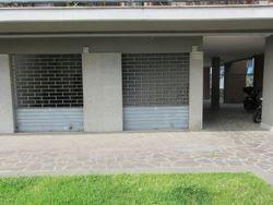 Locale commerciale di due piani (sub 34)