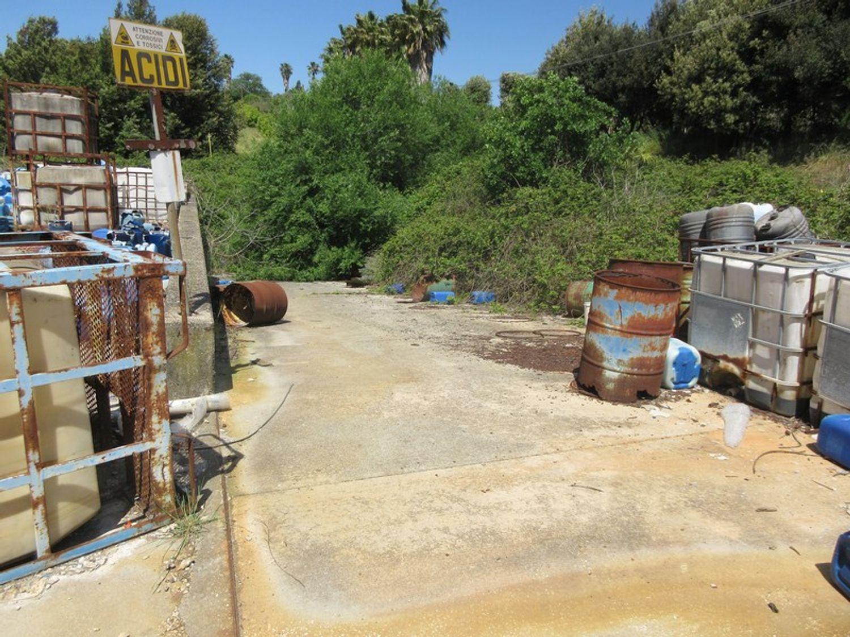 Immagine n. 3 - #10329 Complesso industriale in stato di abbandono