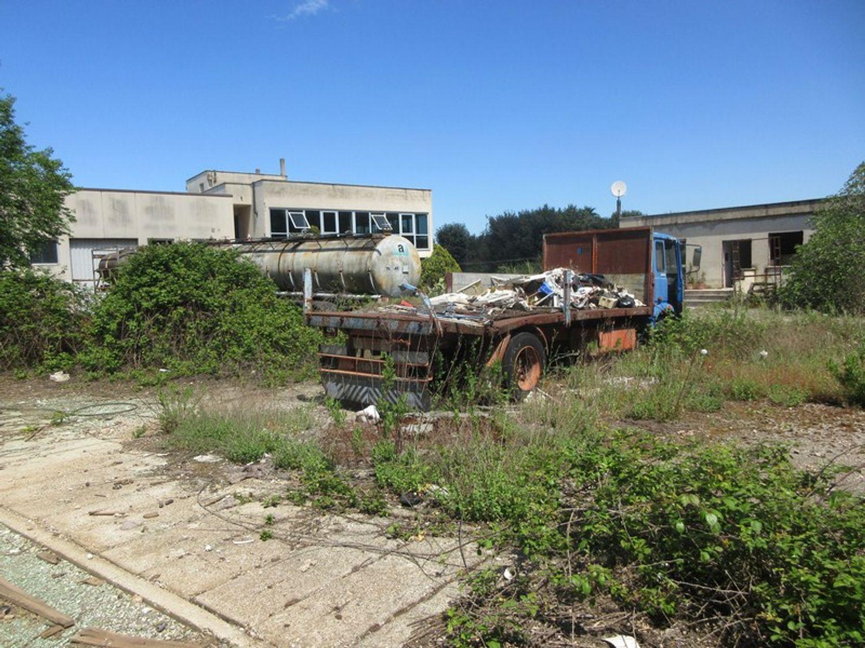 Immagine n. 9 - #10329 Complesso industriale in stato di abbandono