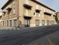 Showroom shop with apartment - Lote 10331 (Subasta 10331)