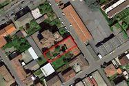 Immagine n2 - Palazzina di tre piani  con giardino - Asta 10352