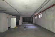 Immagine n4 - Negozio con due appartamenti e parcheggio - Asta 10370
