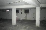 Immagine n5 - Negozio con due appartamenti e parcheggio - Asta 10370