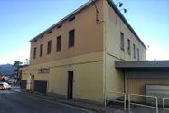 Immagine n6 - Negozio con due appartamenti e parcheggio - Asta 10370