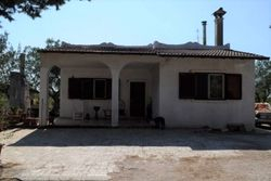 Small villa with agricultural land - Lot 10377 (Auction 10377)