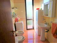 Immagine n7 - Ufficio ad uso abitazione con garage e giardino - Asta 10385