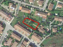 Land used as a garden of     sqm - Lote 10394 (Subasta 10394)