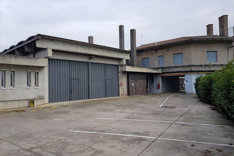 #10397 Complesso industriale con appartamenti in vendita - foto 11