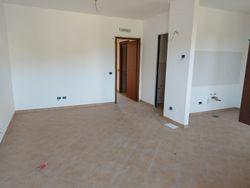 Trilocale al piano terra con garage e giardino (sub 27) - Lotto 10418 (Asta 10418)