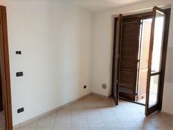 Apartamento de dos habitaciones en el segundo piso con garaje sub    - Lot 10447 (Auction 10447)