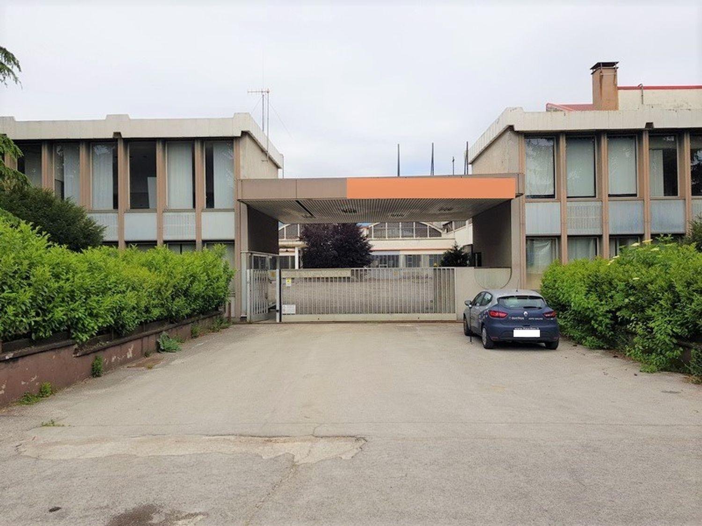 #10482 Opificio industriale con area di pertinenza