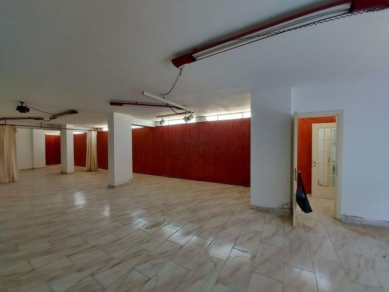 #10485 Magazzino in edificio residenziale con posto auto in vendita - foto 14