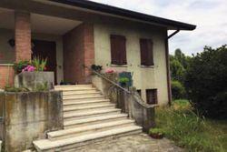 Casa unifamiliare con autorimessa e terreno