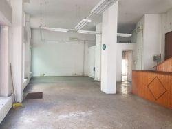 Negozio con ampio magazzino - Lotto 10513 (Asta 10513)