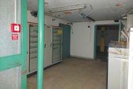 Immagine n6 - Edificio commerciale con parcheggio privato - Asta 10514