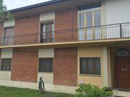 Immagine n0 - Appartamento e garage al piano terra - Asta 1053