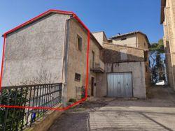 Bilocale su due piani con giardino - Lotto 10546 (Asta 10546)