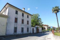 Ampia villa con pertinenze - Lotto 10585 (Asta 10585)