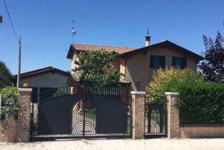 Abitazione unifamiliare con capannone agricolo - Lotto 10588 (Asta 10588)