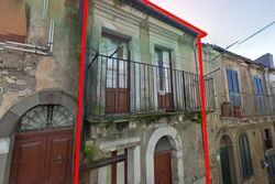 Abitazione su due piani in centro storico