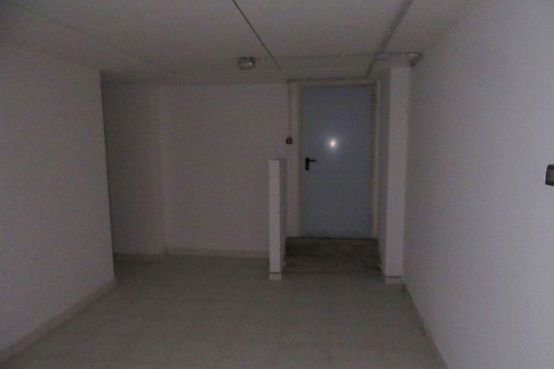 #10621 Negozio (sub 129) con magazzino e garage in vendita - foto 8