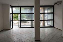 Negozio (sub 130) con magazzino e garage