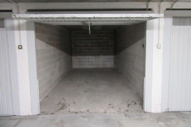 #10622 Negozio (sub 130) con magazzino e garage in vendita - foto 9