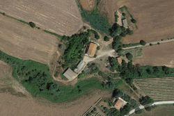 Fabbricato rurale con terreni