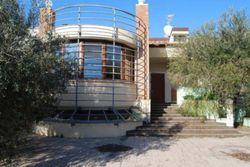 Villa unifamiliare con piscina e terreno