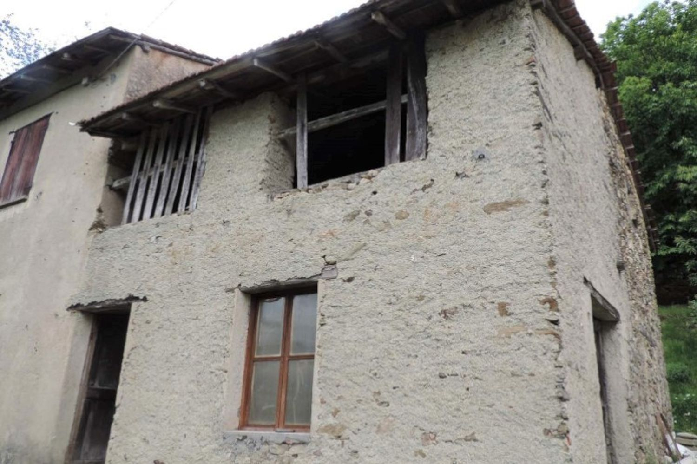 #10687 Nuda proprietà di fabbricati rustici e terreni
