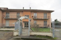 Apartment with garage and exclusive courtyard - Lot 10701 (Auction 10701)
