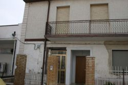 Apartment with commercial activity - Lot 10757 (Auction 10757)