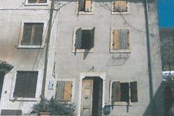 Abitazione cielo-terra con giardino - Lotto 10765 (Asta 10765)