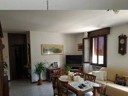 Appartamento al secondo piano con posto auto - Lotto 10790 (Asta 10790)