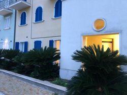 Trilocale con corte privata in riva al mare - Lotto 10805 (Asta 10805)