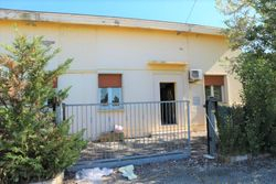 House with courtyard in a large parking lot - Lote 10882 (Subasta 10882)
