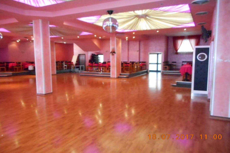 #10911 Ristorante con sala dancing