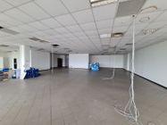 Immagine n1 - Ufficio al piano terzo oltre a 5 posti auto - Asta 10914