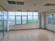 Immagine n2 - Ufficio al piano terzo oltre a 5 posti auto - Asta 10914